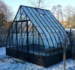 Produits ferronnerie de pierre et jardin for Serre de jardin en fer forge