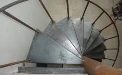 escalier en fer forgé en colimaçon